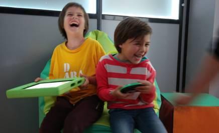 Sala Doświadczania Świata  wyposażona w system SHX w pracy z osobami z zaburzeniami ze spektrum autyzmu (ASD)